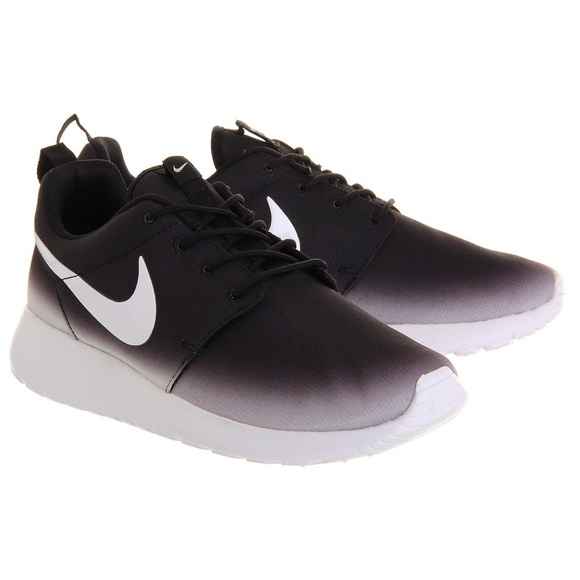 f4e584056b8 Nike Roshe Black   White Faded Ombré Size 8